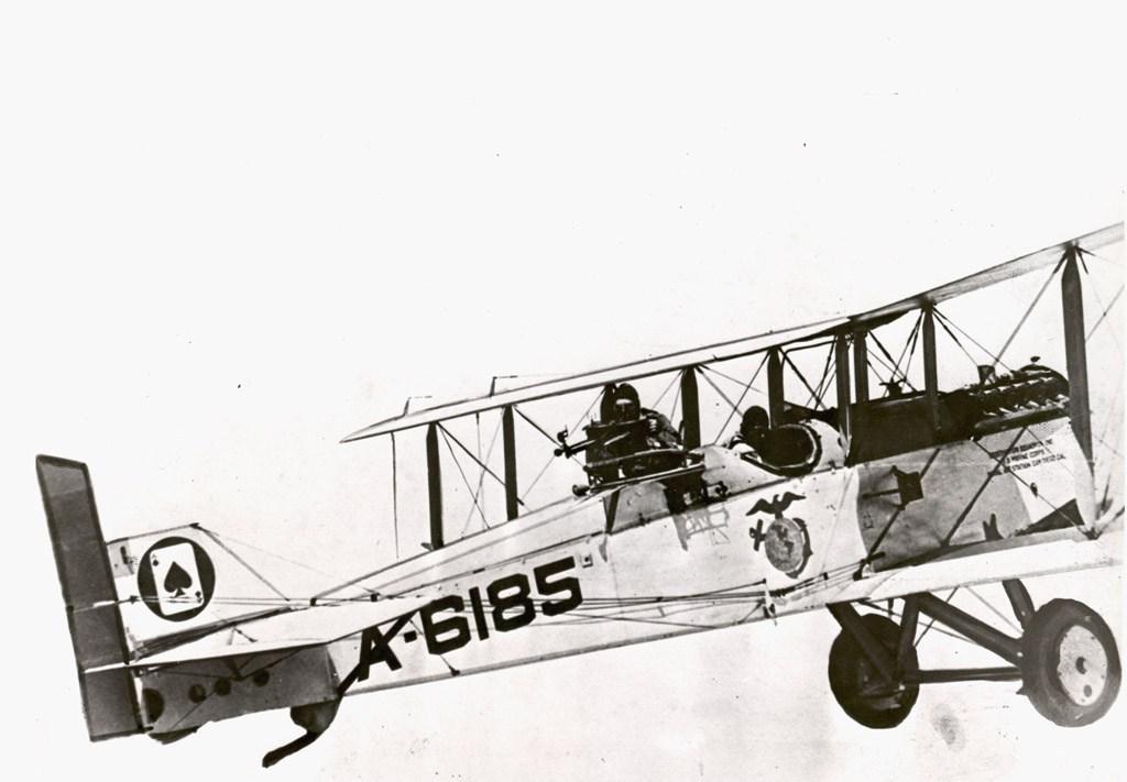 DH4B USMC 001